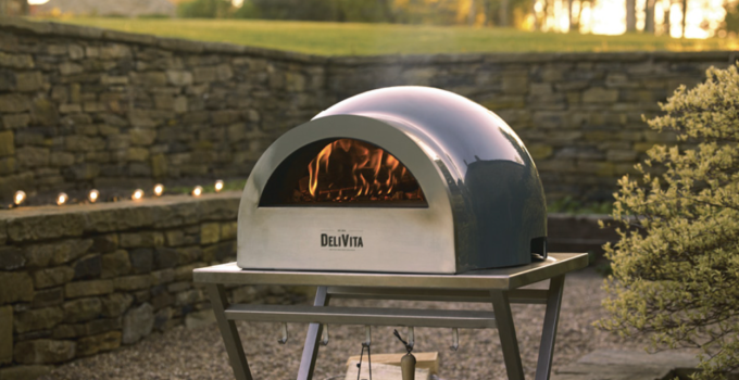 What Kinds Of Wood Should You Use In A Pizza Oven?